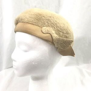 1960s Mystere Mod Cream Felted Fur Beret Hat